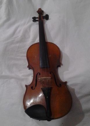 Скрипка 17-18век требует реставрации