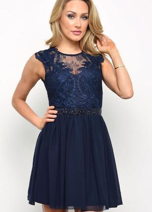 Вечернее платье с красивым декольте р. 12