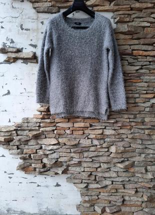 Теплый пушистый пуловер большого размера