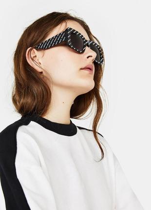 Солнце защитные очки в актуальный принт