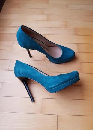 Замшевые натуральные туфли от kasandra