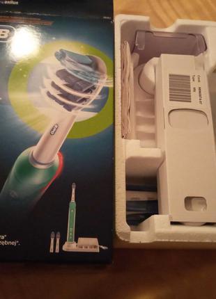 Зубная щетка Braun Oral-B Trizone 3000