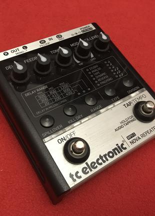 Очень функциональный дилей примочка педаль эффектов TC Electronic
