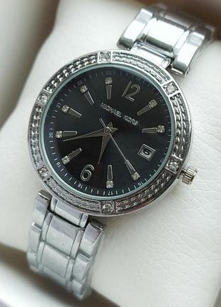 Кварцевые женские часы под серебро с черным циферблатом