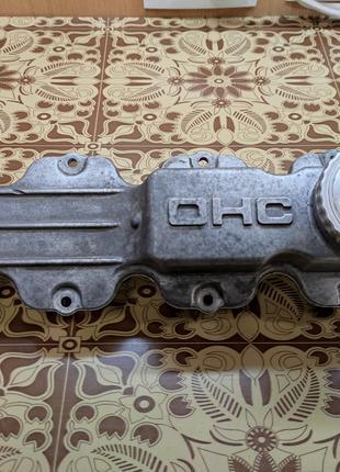 Клапанная крышка Opel Kadett E