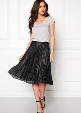 Черная плиссированная юбка миди twist