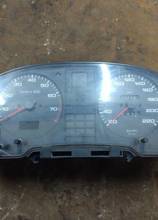 Панель приборов Audi 80 B4 2.0