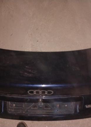 Крышка багажника Audi A4 B5 sedan