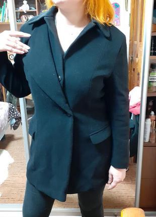 Пальто шерстяное теплое легкое m