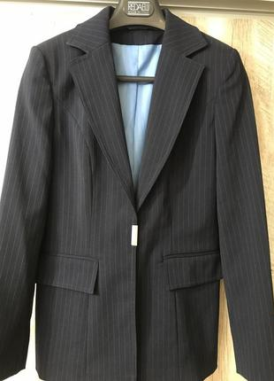 Фирменный женский пиджак классический деловой франция etam
