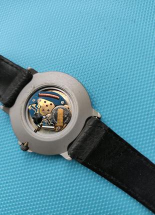 Швейцарские часы WATCHARI.