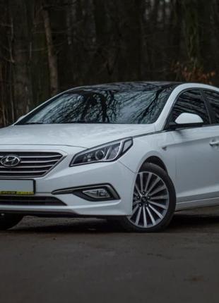 Продам Hyundai Sonata на 18 дисках 2015 года (газ) в наличии