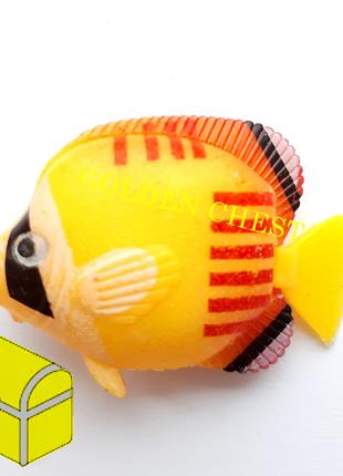 Рыбка пластмассовая №28
