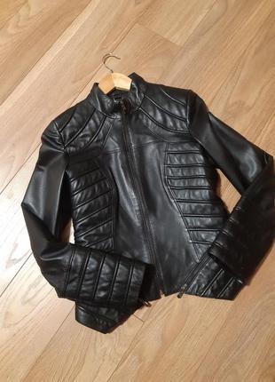Курточка кожаная новая