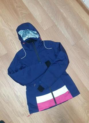 Курточка лыжная очень качественная