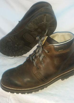 Ботінки, черевики Meindl