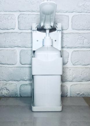 Диспенсер для антисептика или жидкого мыла настенный