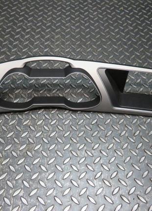 8K1857166 Рамка приборной панели навигации на Audi A4 B8 8K