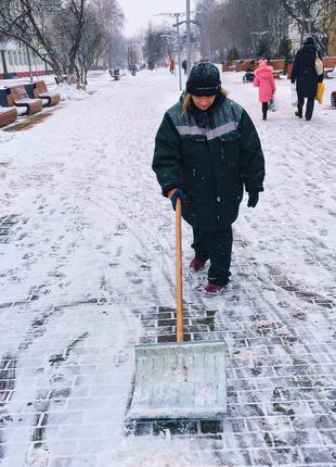 Ручная Уборка снега.Вывоз Снега Киев