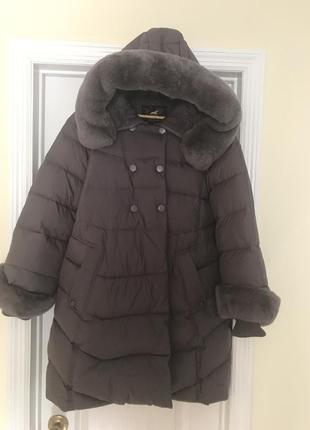 Красивое брендовое пальто с натуральным мехом на гусином пуху ...
