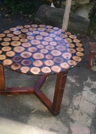 Дубовый стол из эпоксидной смолы