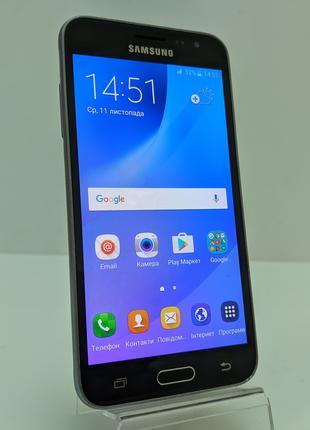 Телефон Samsung Galaxy J3 (SM-J320H)