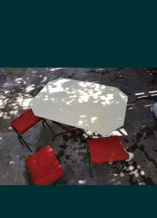 Стол и стулья для отдыха металл
