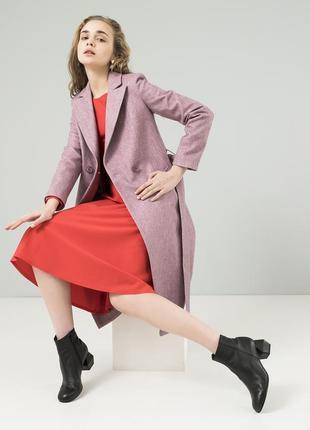 Женское осеннее пальто season диагональ темно-розового цвета