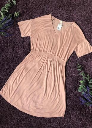 Легкое трикотажное платье цвета пудры h&m  на размер m-l