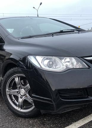 Honda civic 2008 год, Черный седан, бензин. МКПП
