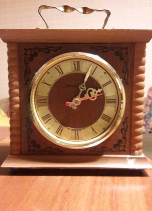 Часы настольные Янтарь