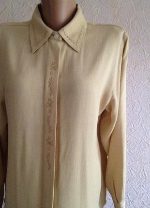 Блузочка с вышивкой