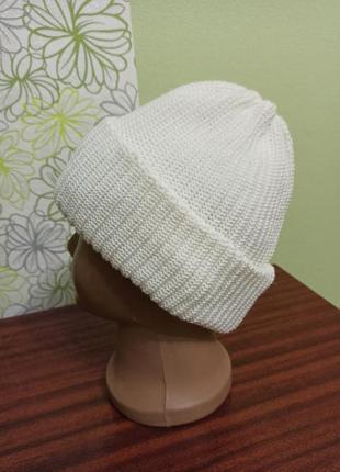 Женская белая шапка с отворотом. теплая зимняя вязаная двойная...