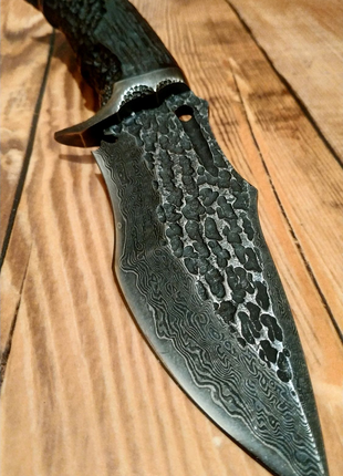 Нож кованый ручная работа Дамасская сталь.