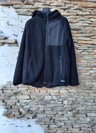 Меховая с карманами и капюшоном куртка  унисекс большого размера