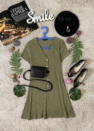 Актуальное базовое платье с декоративными пуговицами №260