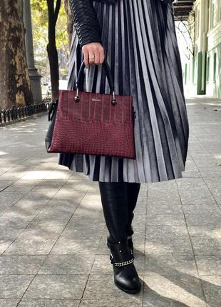 Стильная женская сумка грана красный крокодил 325040