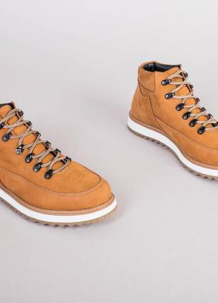 Мужские желтые зимние ботинки из нубука