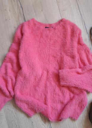 Роскошный пушистый пуловер