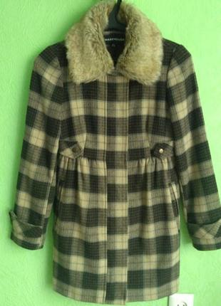 Пальто шерстяное демисезонное со съёмным меховым воротником, р...