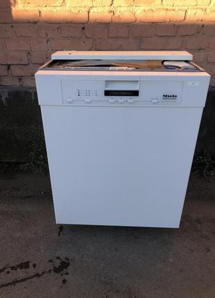 Посудомоечная машина Miele  на 13 персон