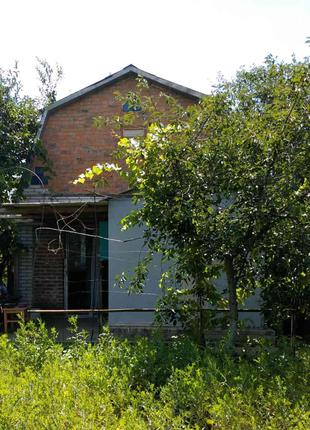 Продается садовый домик и земельный  участок  в районе мебельной