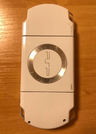 PSP-2000 White 64 GB