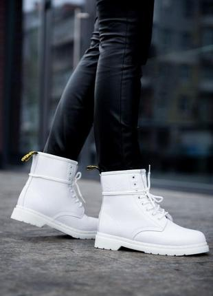 Женские зимние ботинки dr. martens 1460
