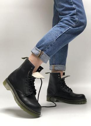 Женские зимние ботинки dr. martens 1460 на меху