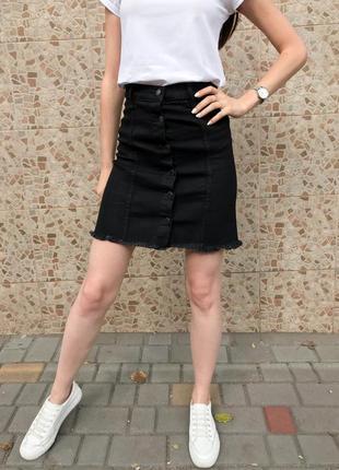 Юбка джинсовая на пуговицах черная