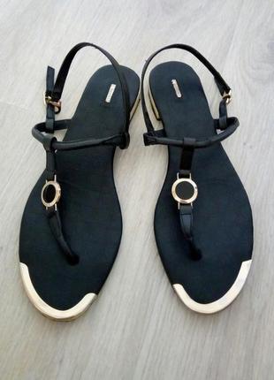 Женские кожаные сандалии-вьетнамки reuchll