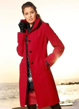 Стильное женское прямое,теплое пальто на весну модного цвета.