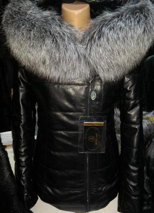 Курточка пуховик натуральная кожа и чернобурка трансформер