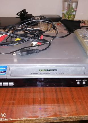 Видеомагнитофон Panasonic MV40